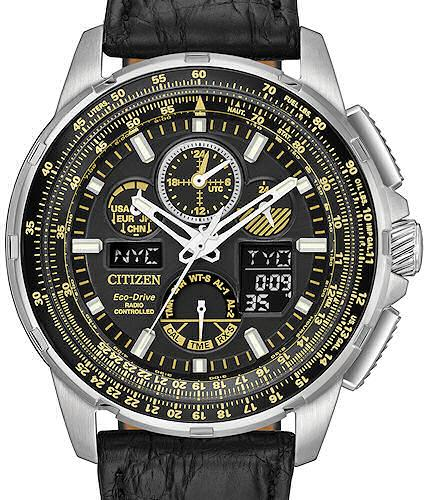 movement the watches with pilots article chronograph flight upscale edition by last false an automatic scale early pilot iwc new subsampling aviator s watch crop designs inspired and