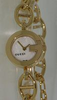 Pre-Owned GUCCI MOP DIAL FLORAL THEME 1-CHARM