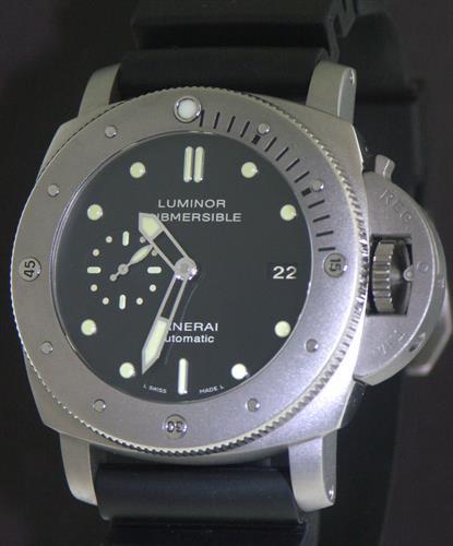 053305260ec Officine Panerai Luminor Submersible Titanium pam00305 - Pre-Owned Mens  Watches
